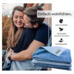 "Kuscheldecke ""Vollkommen"" – Wolkenblau/Meeresblau – 145 x 210 cm"