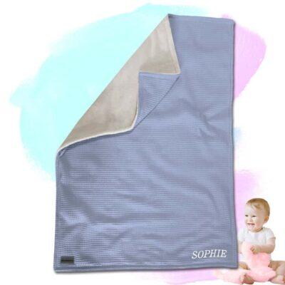 """Babydecke """"Vollkommen"""" – Wolkenblau/Sandweiß – 70 x 100 cm"""