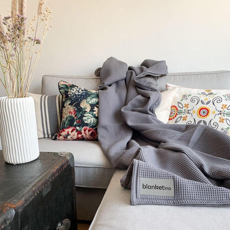 warme kuscheldecke in grau leicht zu waschen