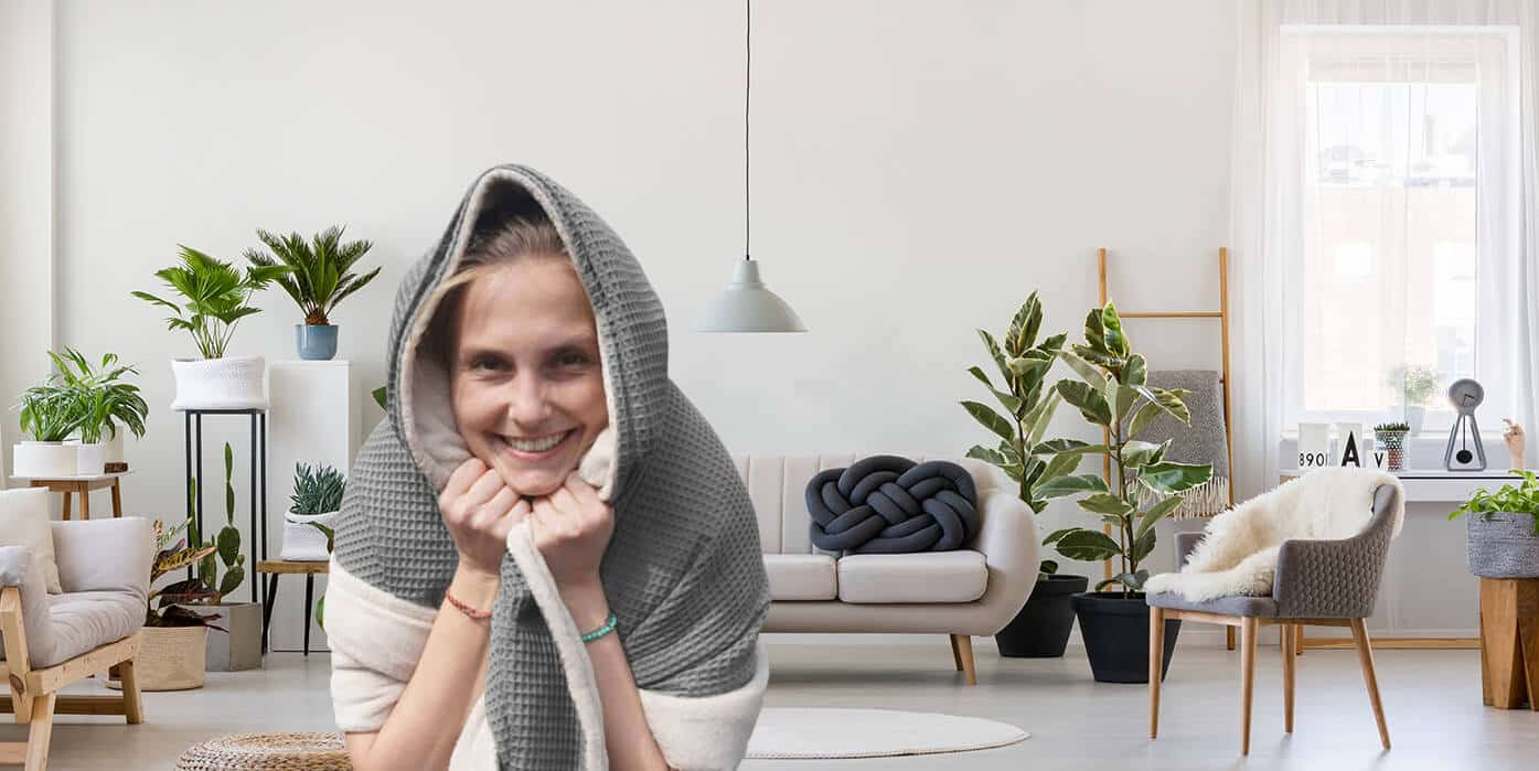 Kuscheldecke in grau im skandinavischen Stil passend zu minimalistischem Stil