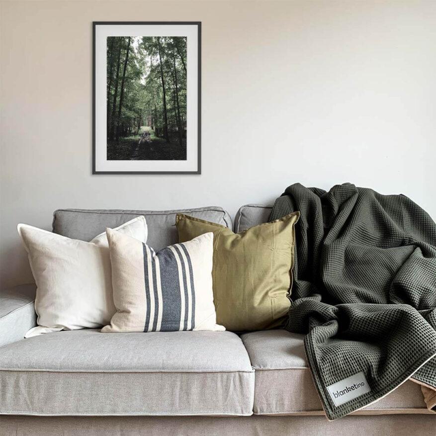 gruenes waldweg poster als wanddekoration