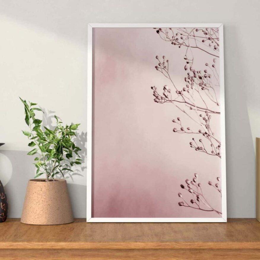 wanddekoration in rosa mit rosa Strauch